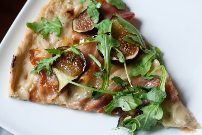 Fig and Prosciutto Pizza with Arugula