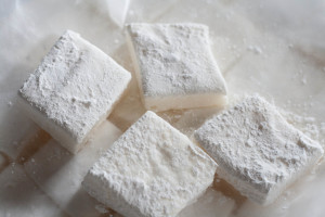 Homemade Marshmallows for Smores