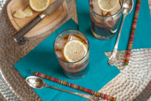 Lemongrass Ginger Iced Tea with lemons