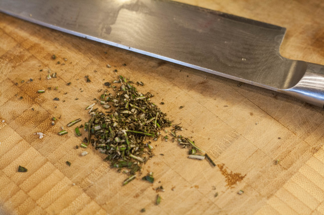Lavender Rosemary Goat Cheesecakes minced rosemary