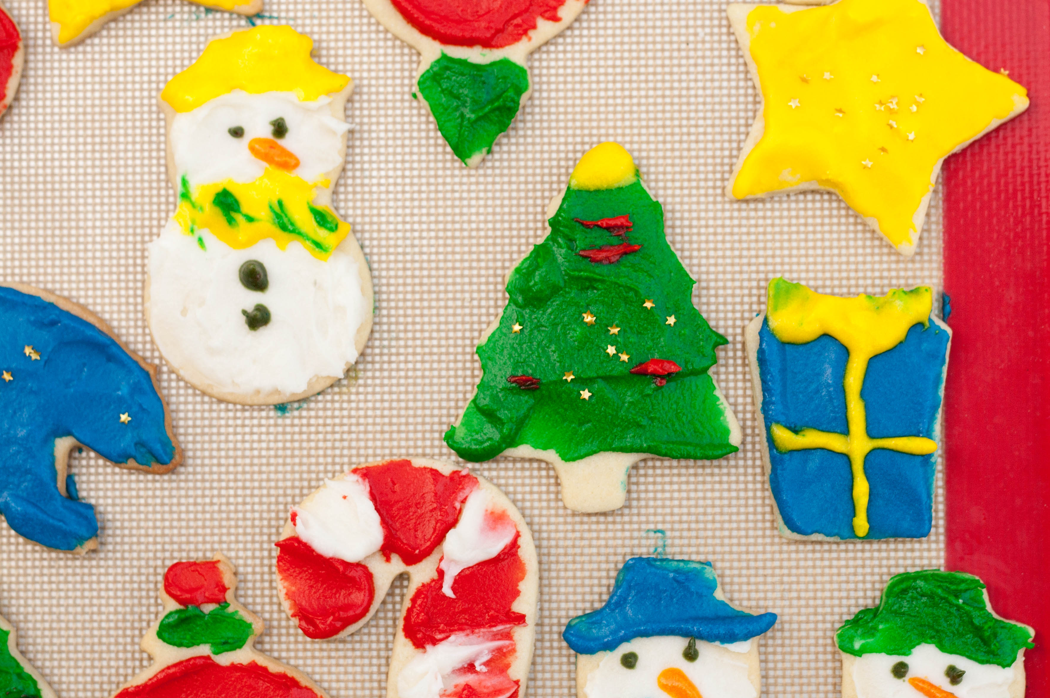 Old School Sugar Cookies With Almond Icing